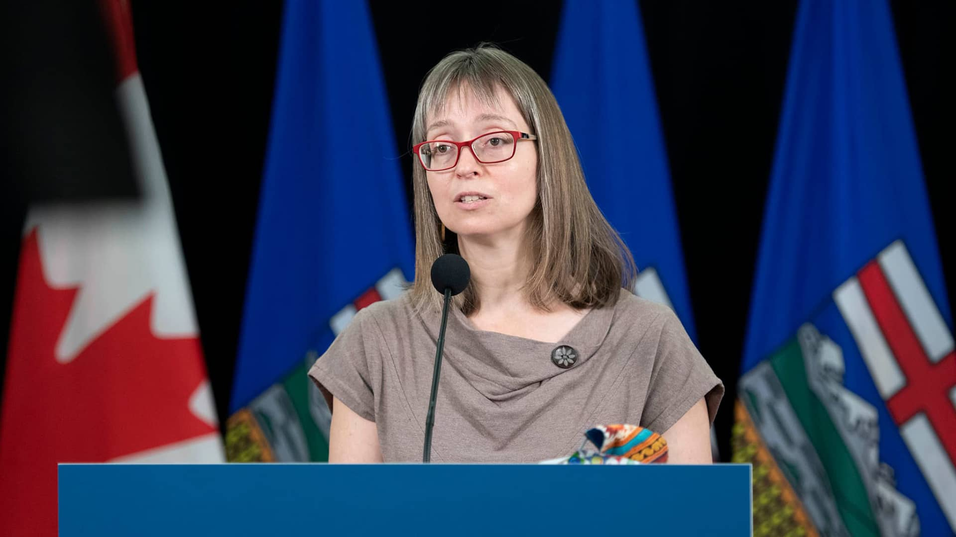 Hinshaw to hold first presser since Alberta unveiled new COVID-19 restrictions